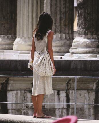 Regard sur le temple d'Auguste et de Livie à Vienne