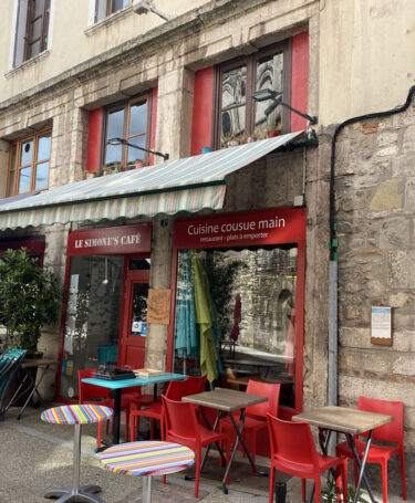 Simone's-café-©Salomé-Imboden-(4)